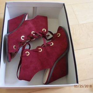 Nine West Quintso Wine Suede Sandals Size 6.5 US
